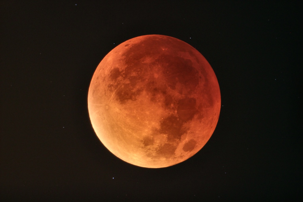 Blood moon Super Moon by Josh Borup