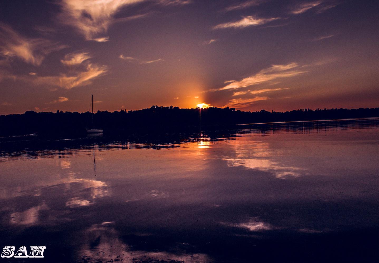 sunset by osamh shtiwe
