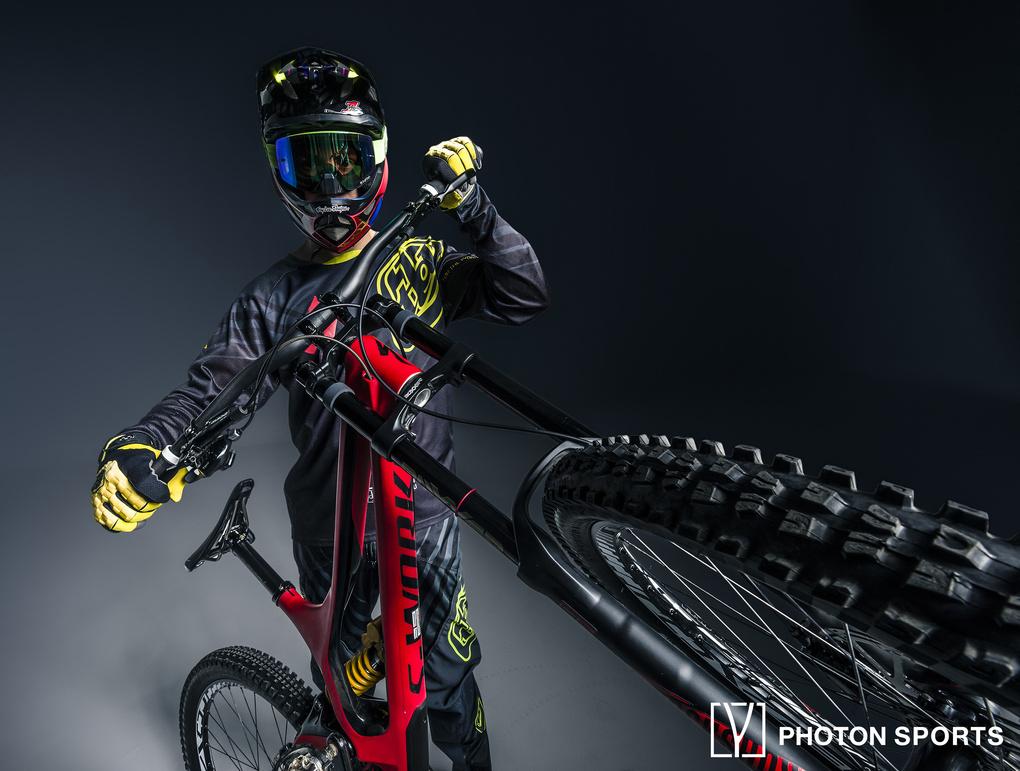 downhill Rider  by sebastian gonzalez