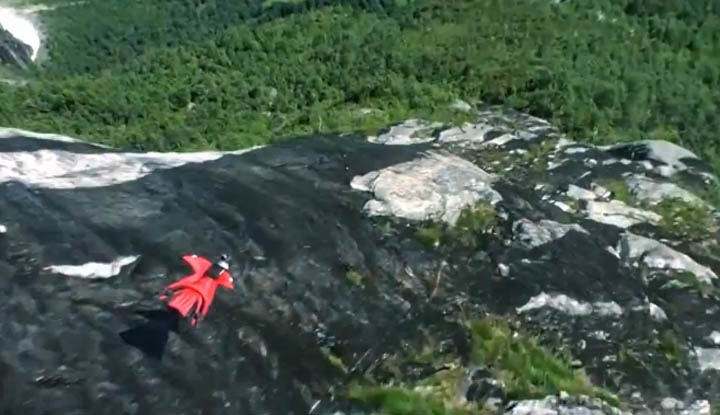 [Video] Wingsuit Flying: The Reason That GoPros Were Created