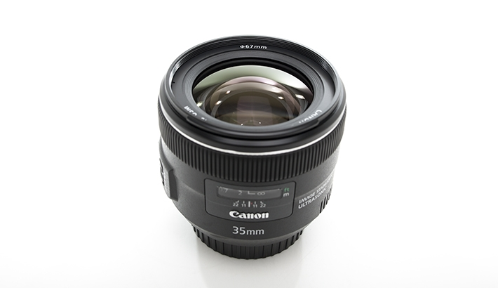 Fstoppers Reviews the Canon 35mm f/2