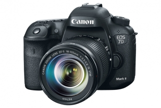 Finally, Canon Announces the 7D Mark II