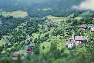 Beautifully Captured Timelapse of Miniature Norway