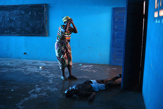 Ebola Series Captures Top Prize at World's Largest Photography Competition