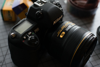 Fstoppers Reviews the Nikon F100