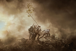 Photographer Reimagines Iconic War Photograph as a Fight for the Environment