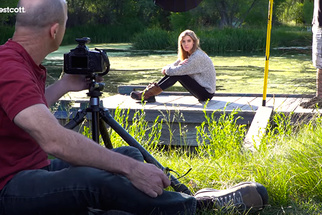 Joel Grimes Shows How to Use a Beauty Dish in an Outdoor Lifestyle Setting