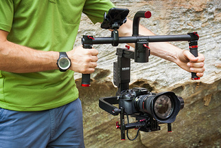 Fstoppers Review of the Moza Lite II 3-Axis Gimbal Stabilizer for Compact Video Cameras
