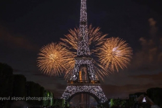 Paris In Motion: A Tour de Force of Various Timelapse Techniques Set in the City of Light