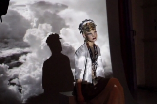 Portraits and Projection Mapping in Fashion Photography