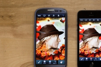Adobe Launches Photoshop Touch on Smartphones