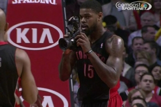 NBA Player Picks Up Photographer's DSLR and Snaps Away