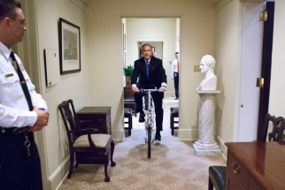 The Life of a President - BTS Pictures of George W. Bush