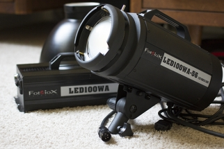 Review: Fotodiox's LED is a Modular Monobloc-Style Video Light Worth Having