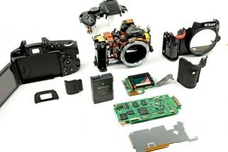 Nikon Hacker Unlocks Manual Control in LiveView for D5100