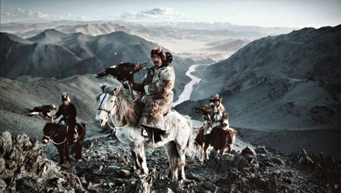 Photographer Criticized  for Stylized Portrayal of Indigenous Cultures
