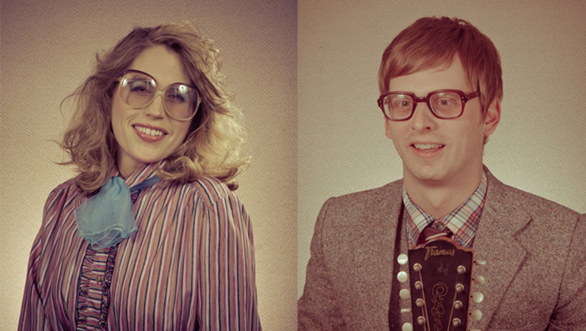 Photographer Brings Back the \u002780s Glamour Shot and They\u0027re Totally Rad