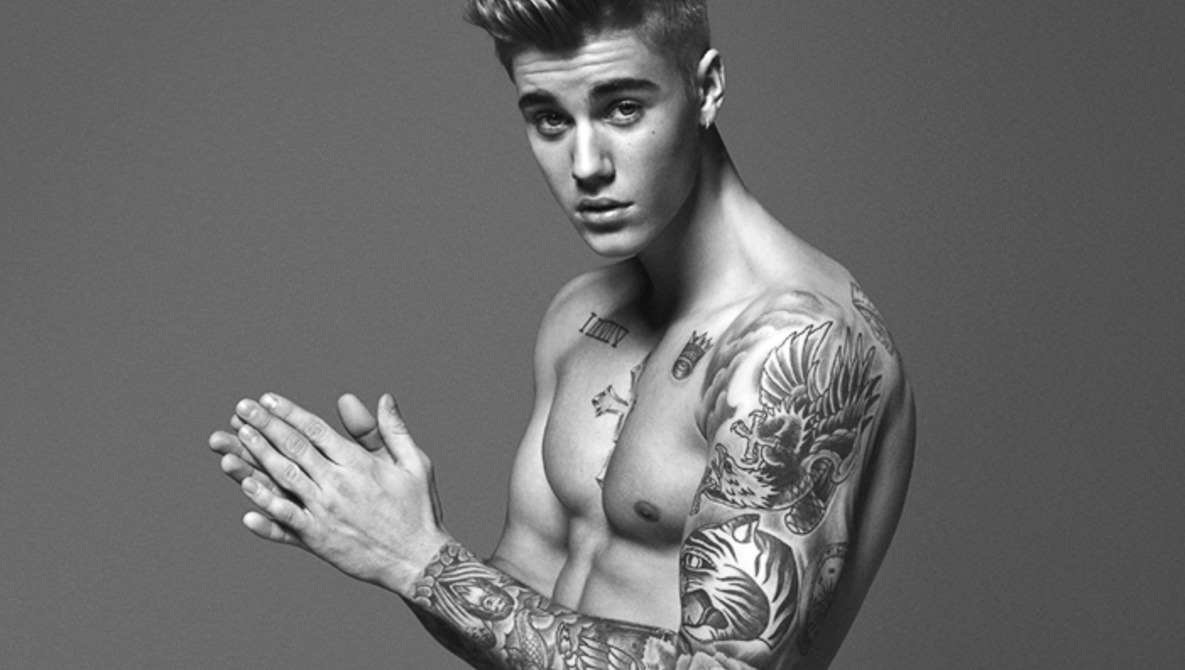 29bc86d86 Justin Bieber Supposed Major Photoshop Treatment in Latest Calvin Klein Ad  Appears to Be Fake
