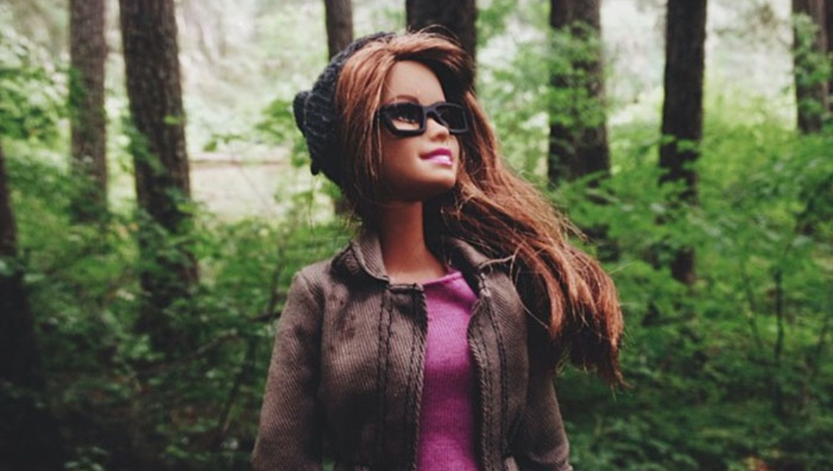 Hipster Barbie Is Mocking Your Instagram Feed