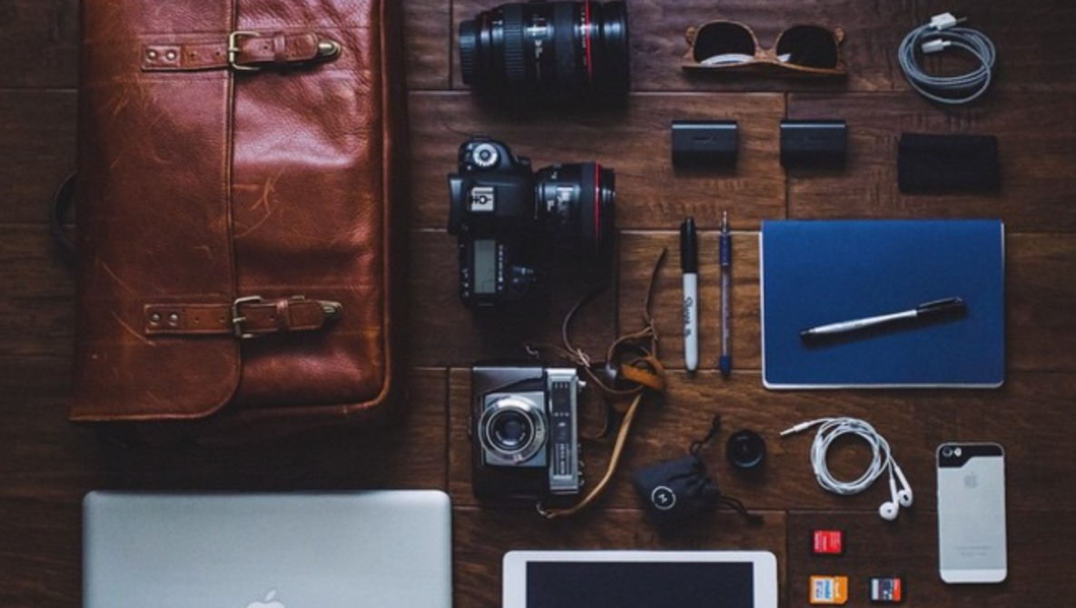 Forget All the Fancy Photo Gear, Here Is What a Truly Minimalistic Photographer Looks Like