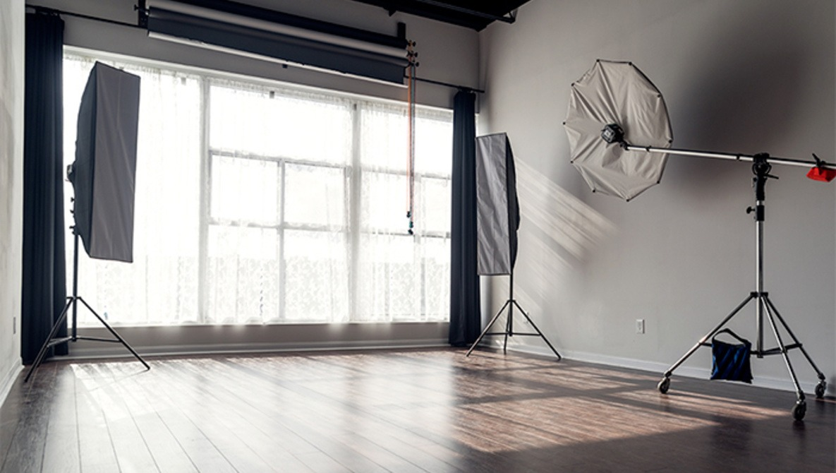 4 Reasons to Consider Using a Rental Photography Studio | Fstoppers
