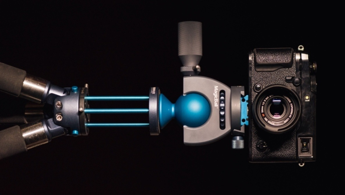 Fstoppers Reviews the Novoflex Tripod System