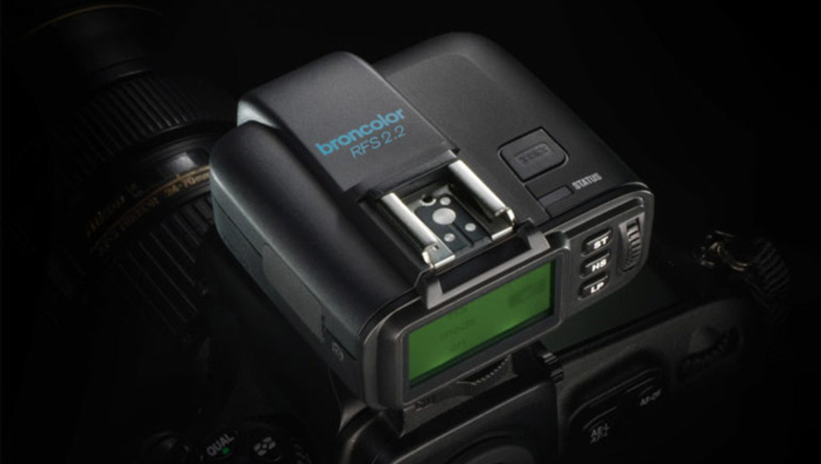 Broncolor Joins the Fast Shutter Speeds Synchronization Game with the RFS 2.2