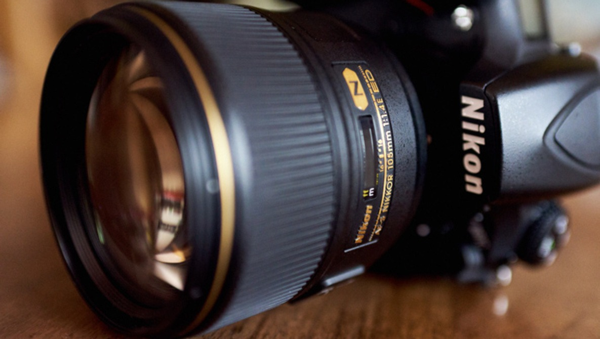 Fstoppers Reviews the New Best Portrait Lens, the Nikon 105mm f/1 4