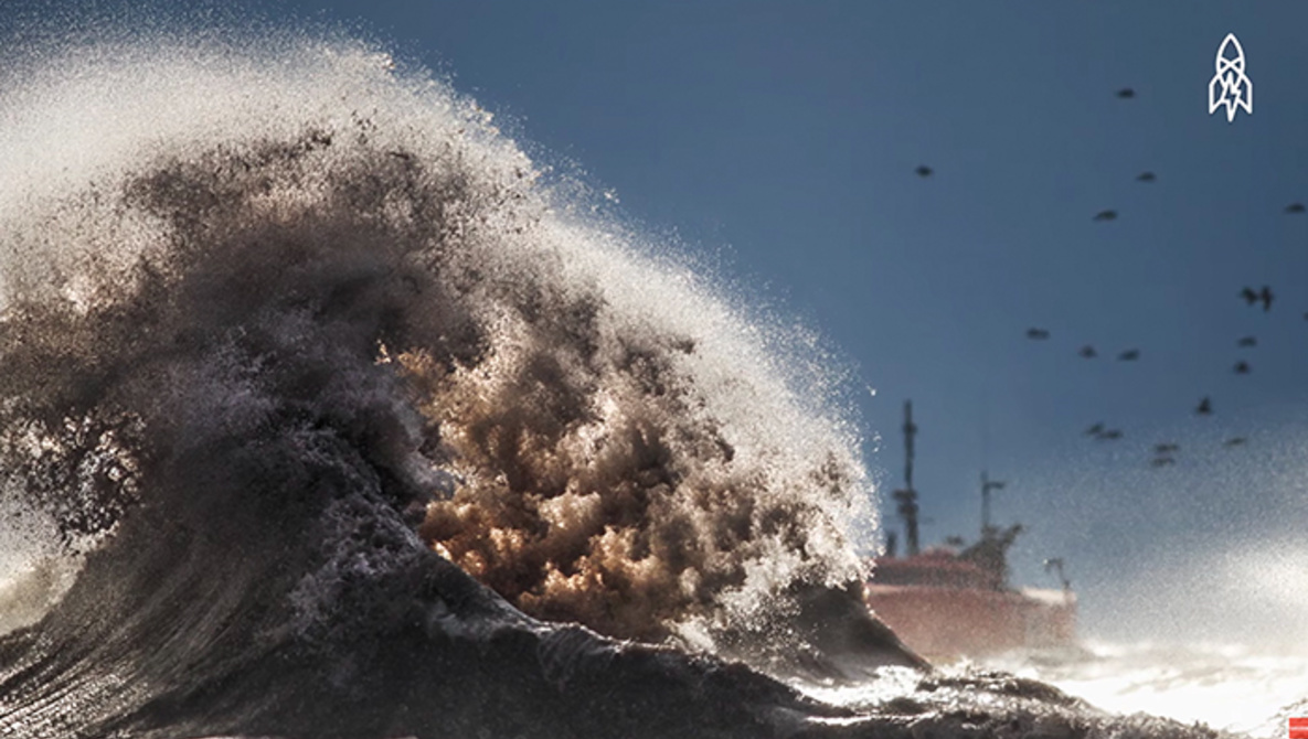 Photographing Beautiful and Monstrous Waves | Fstoppers