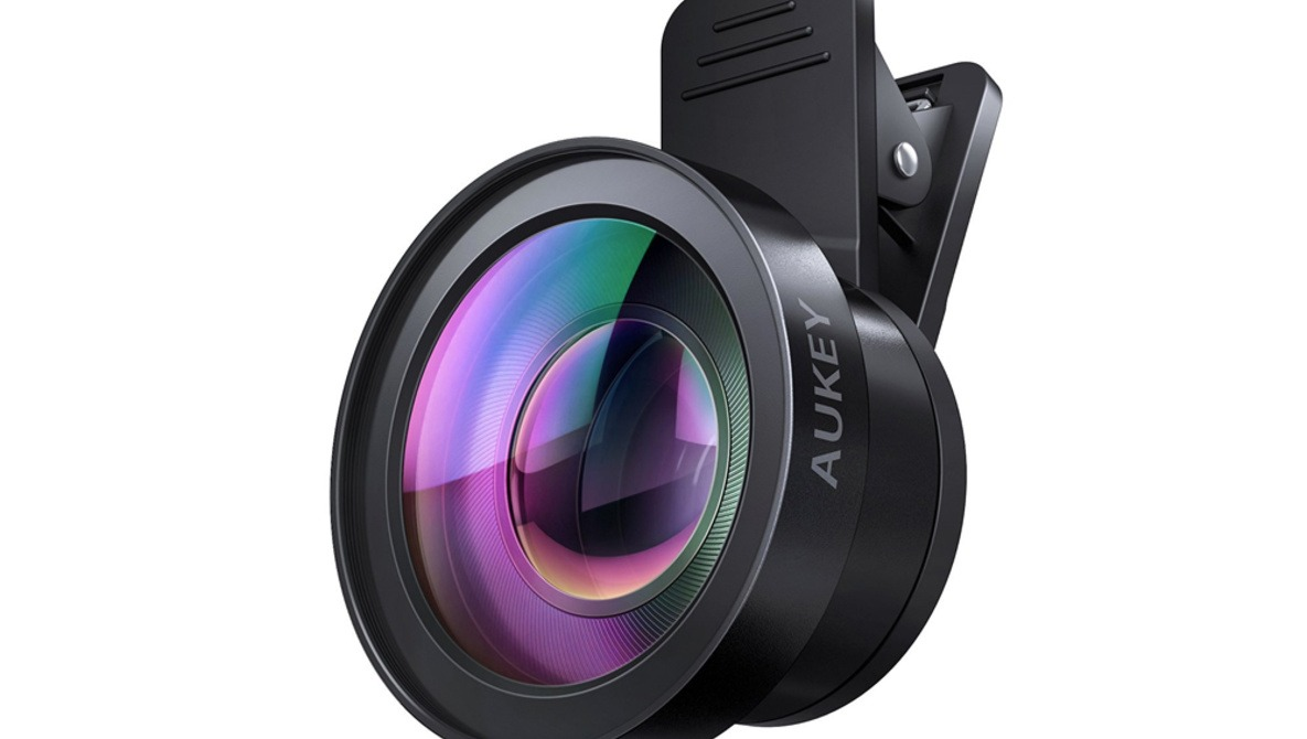 Fstoppers Reviews the AUKEY Ora Clip-On Cell Phone Camera Lenses