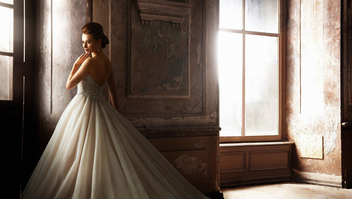 Tips From a Fashion Photographer to Improve Formal Bridal Photos for Wedding Photographers