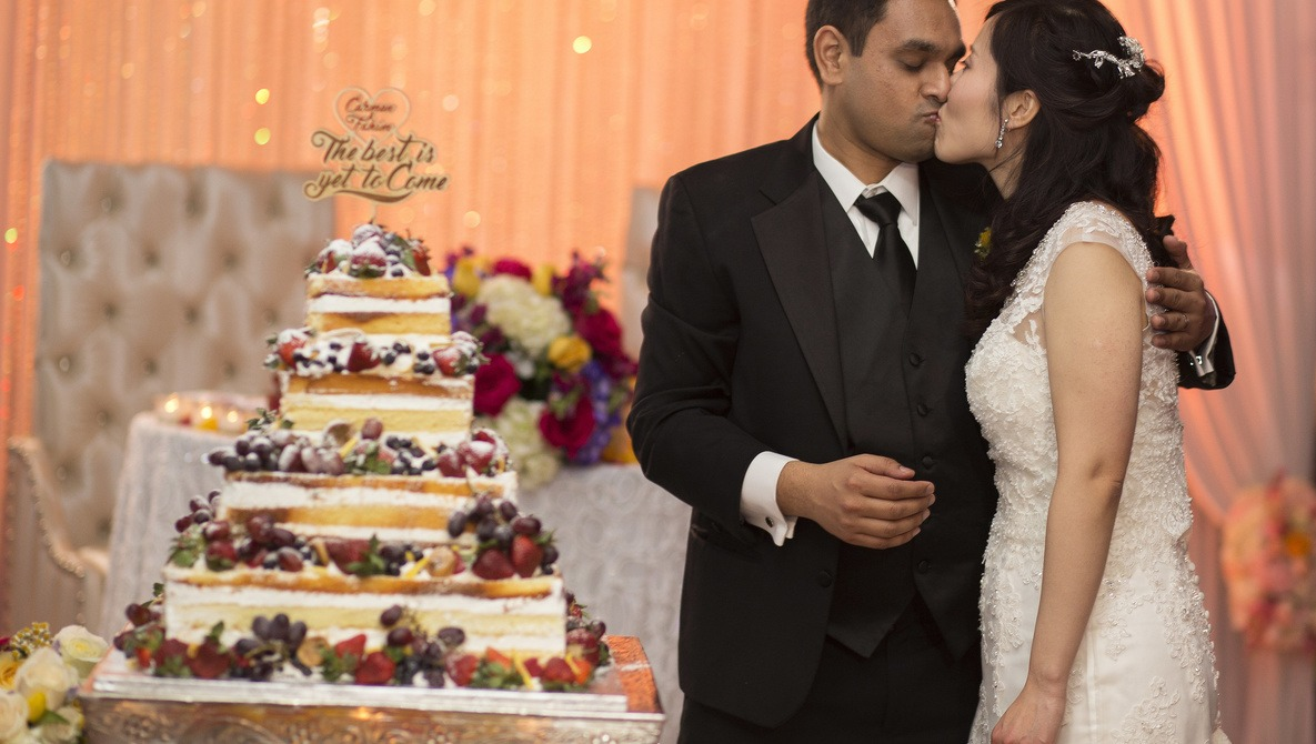 Getting Along with Wedding Photographers When You're the Photographer-Guest