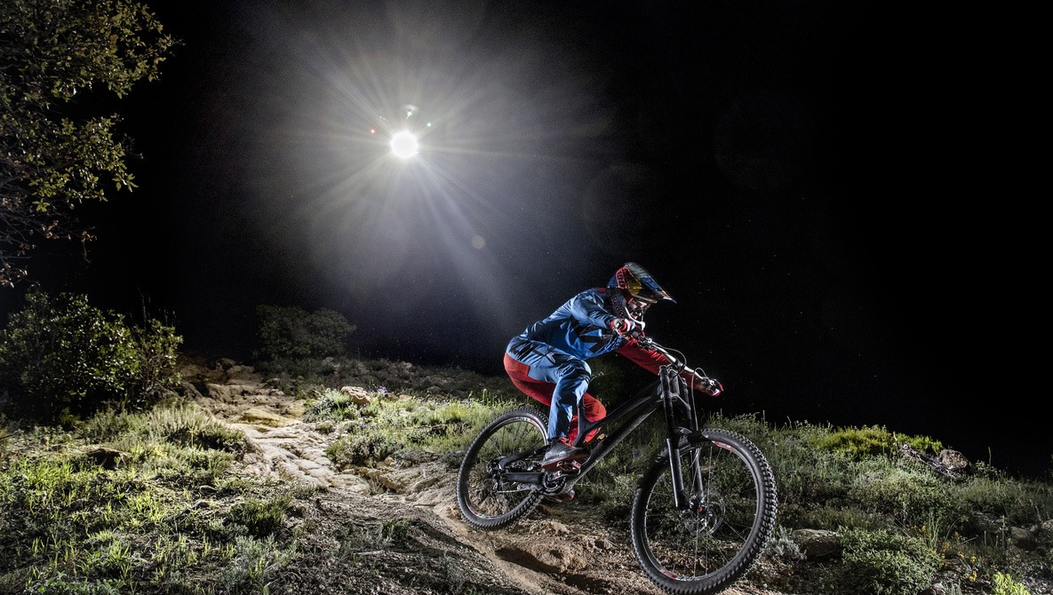 Red Bull Mountain Bike >> Red Bull Sent A Mountain Biker On A Downhill Night Ride Lit Only By