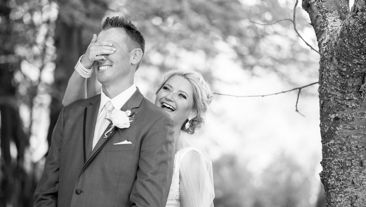 Wedding Photographers And Videographers Need to Stop Blaming Each Other