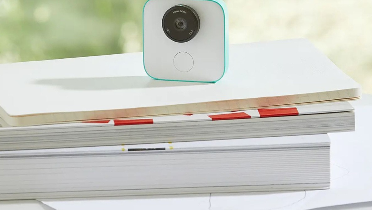 Google's AI-Powered Clips Camera Takes Photos For You