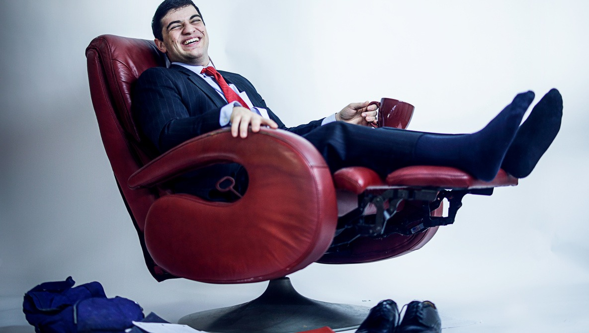 How to Rock Your First In-Person Sales Portrait Session