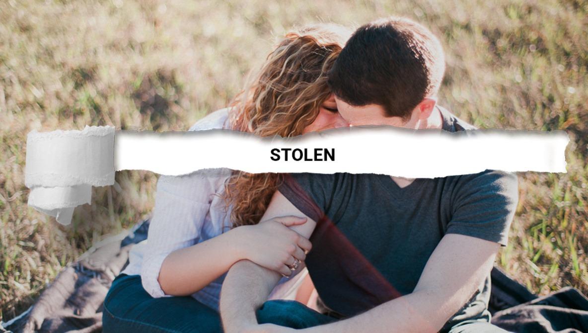 Stolen Portfolio: Interviewer Realizes His Photos Were Stolen by Interviewee