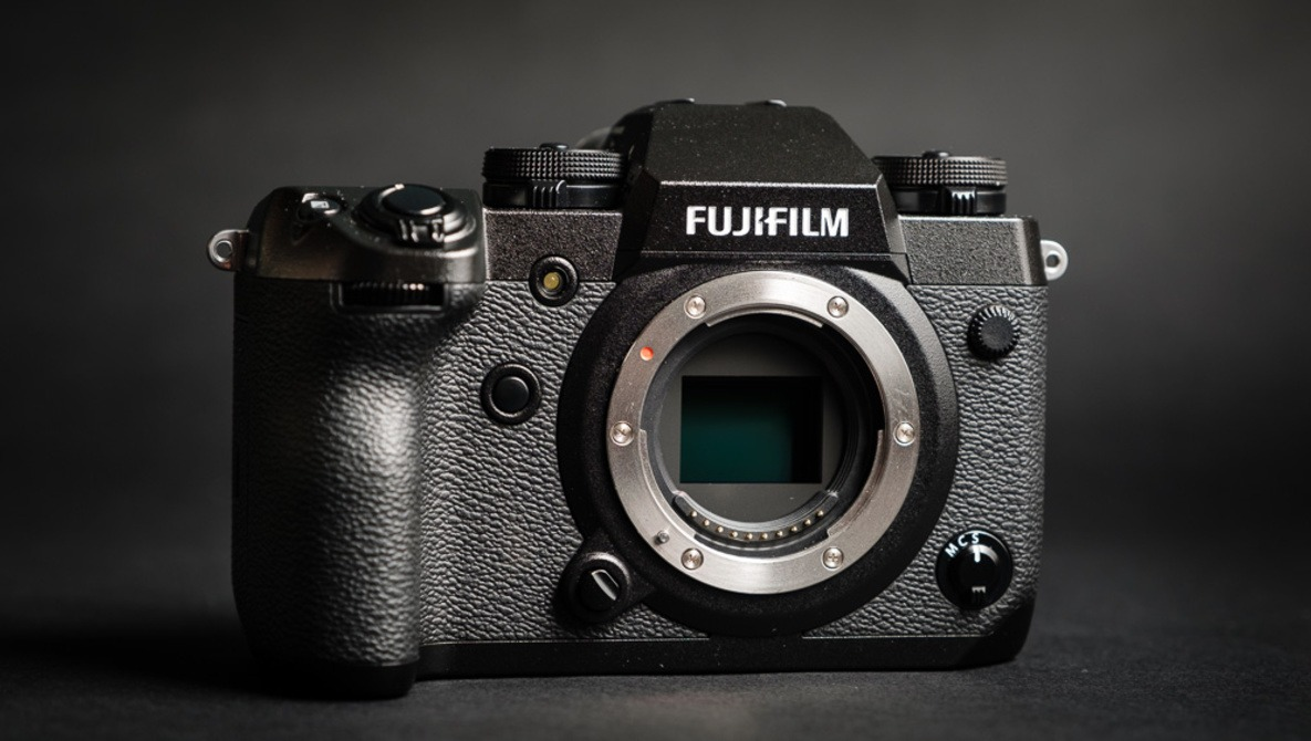 Fstoppers Reviews the Fujifilm X-H1 High-End Mirrorless Camera