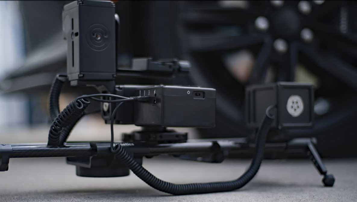 Fstoppers Reviews the Cinetics Lynx Motorized Slider: Stunning Motion Footage Made Easy