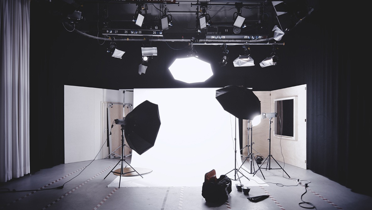 Photographers: Here's Your Chance to Shoot a Project in an NYC Studio Space Free of Charge