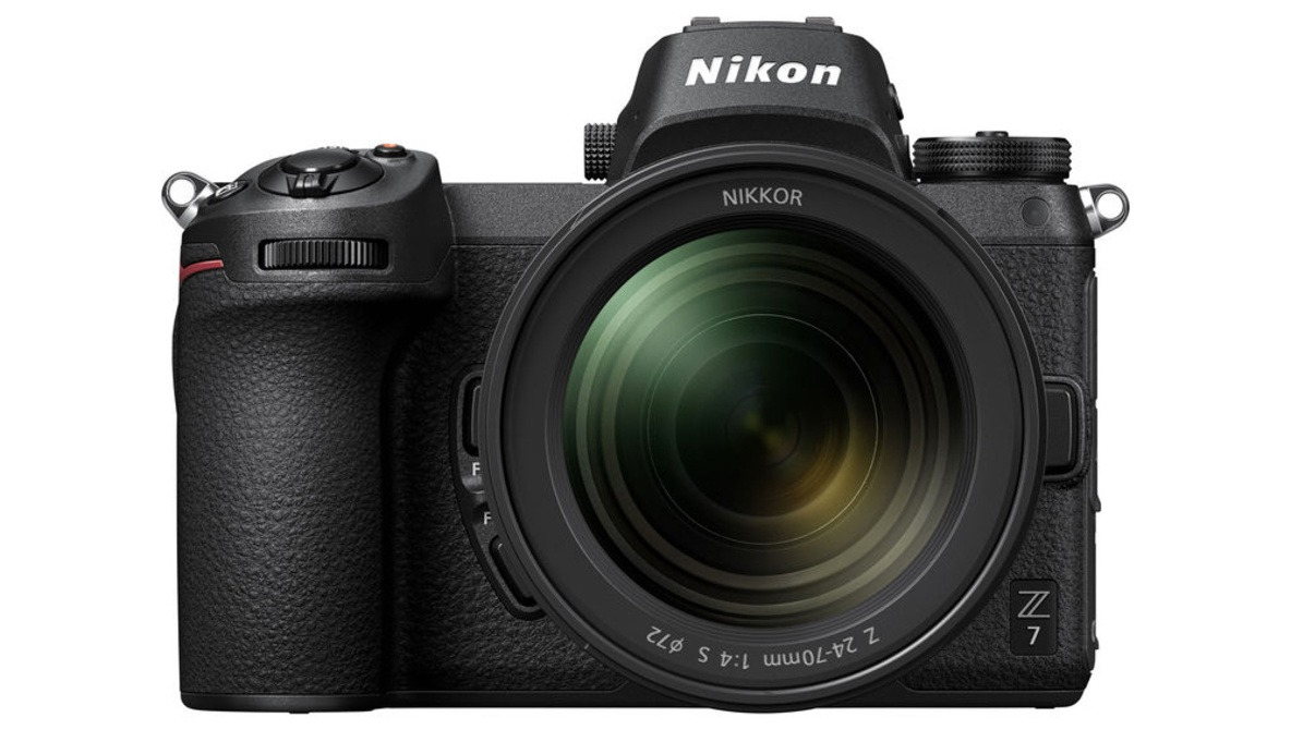 Nikon Plans to Release a Flagship Mirrorless Camera Similar to the D5