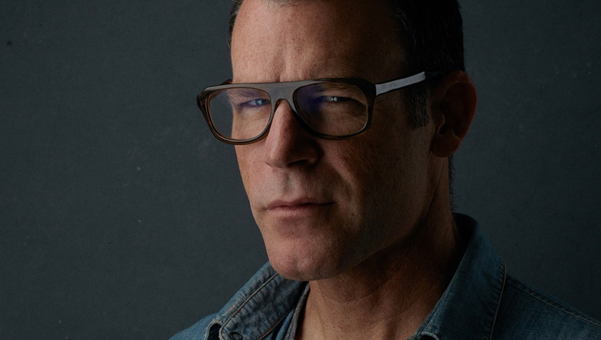 Learn the Nuances of Headshots and Lighting from Peter Hurley this Black Friday
