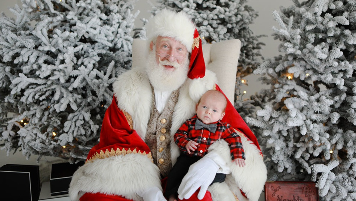 How This Photographer Made $10,000 in One Day Shooting Santa Sessions