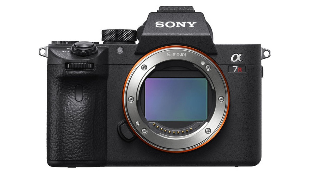 Sony Warns of File Loss Bug on a7R III and a7 III