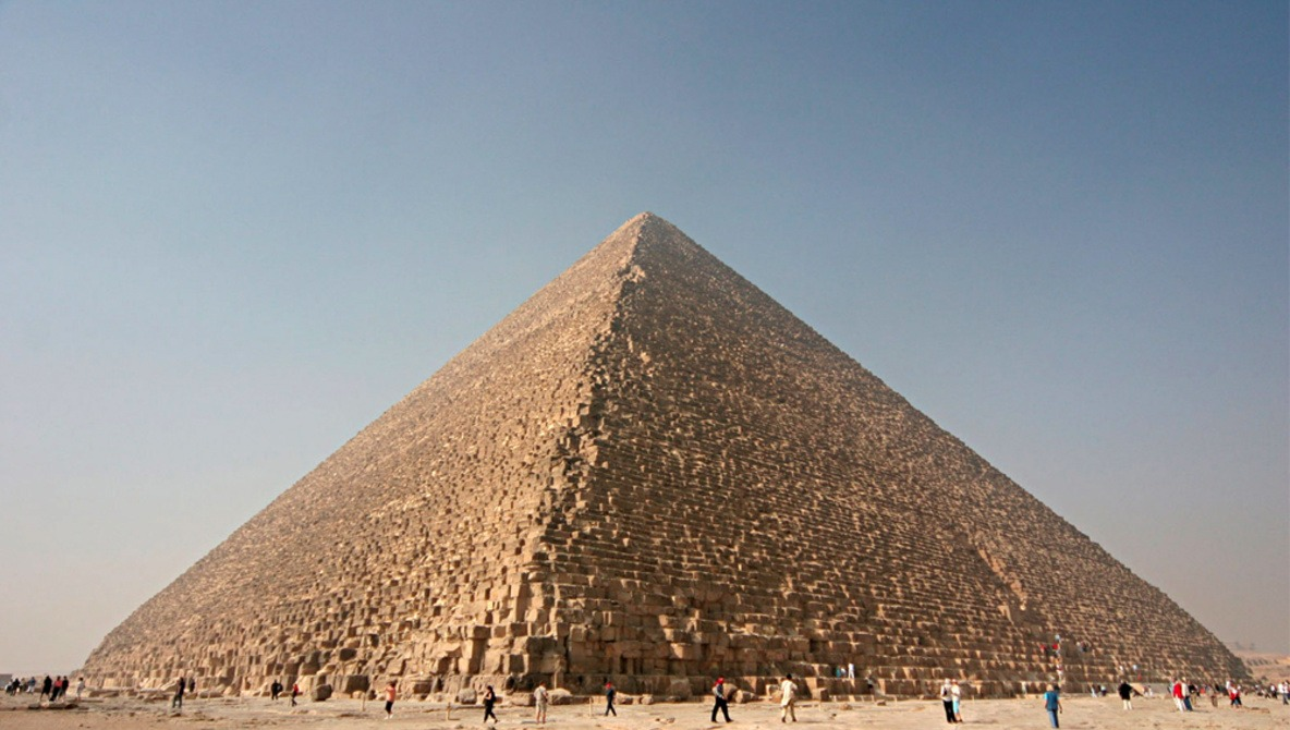 Photographer Posts Picture of Himself and Girlfriend Naked, in Sexual Position on Top of Pyramid, Prompts Investigation by Egyptian Authorities [NSFW]