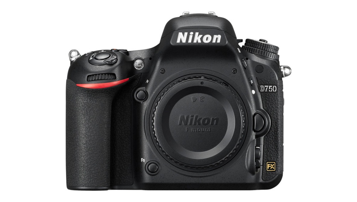 Nikon D760 Rumored for 2019