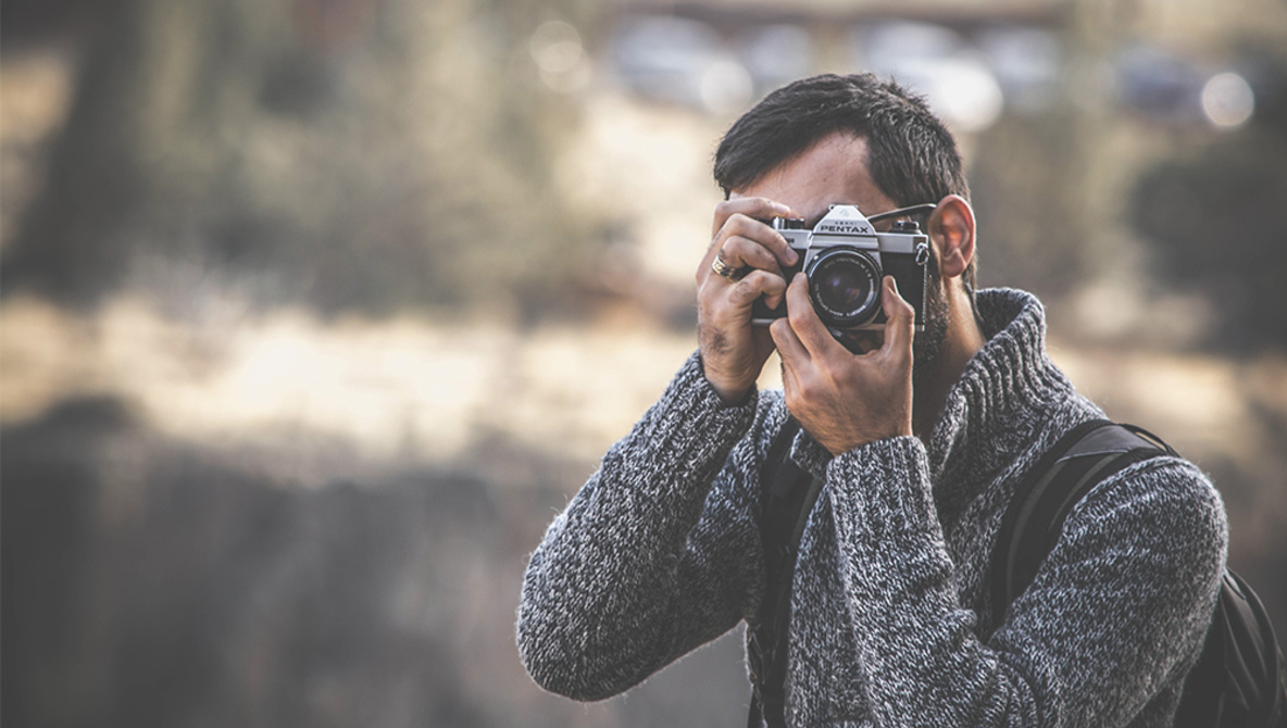 Photographer Makes New Year's Resolution to Stop Buying Unnecessary Gear in 2019, Breaks It Before 2019 Even Begins