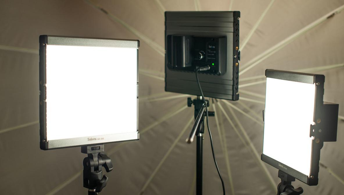 Fstoppers Reviews Selens GE-500 3-Light LED Kit