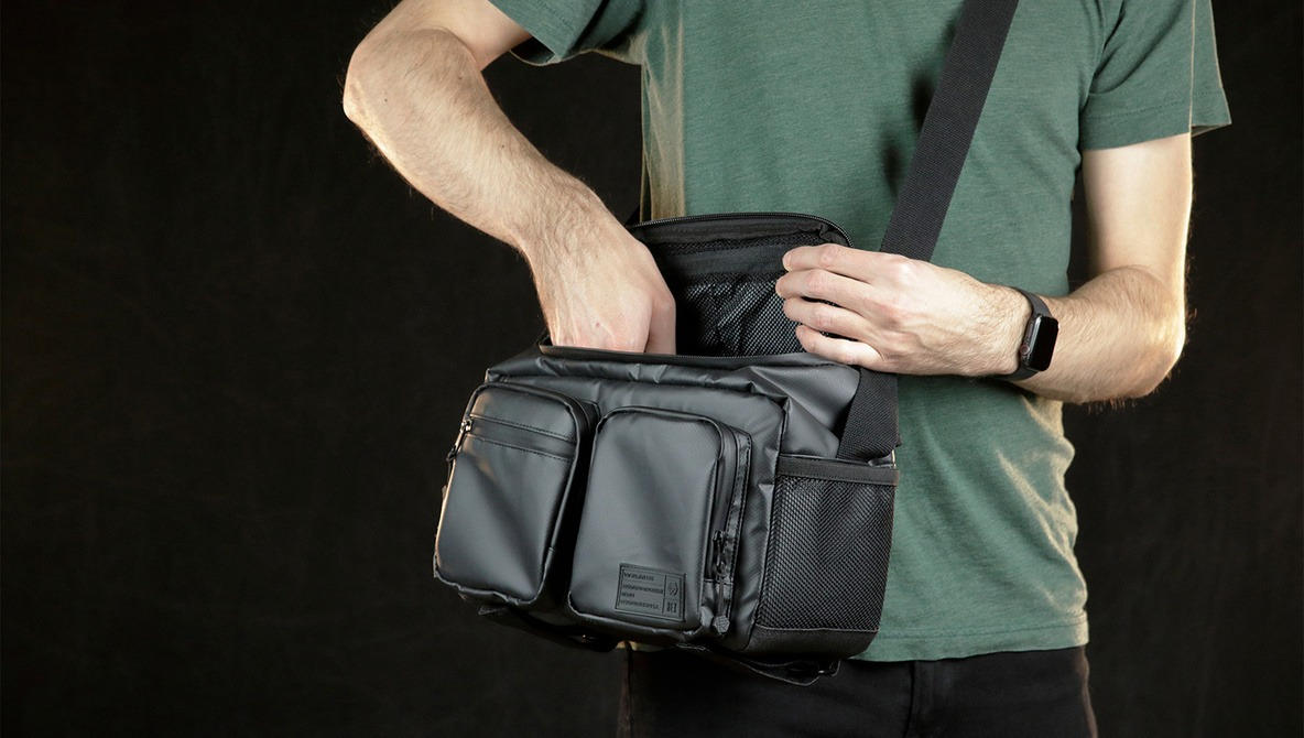 The HEX Raven DSLR Mirrorless Shoulder Bag Is the Best I've Used