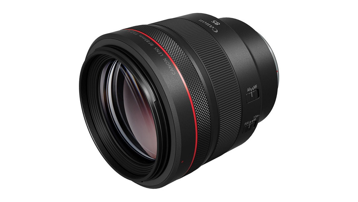 Is $2,700 Fair for Canon's New Lens?